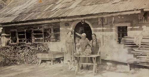 Bild eines alten Bauernhofes